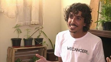 César, de 25 anos, criou aplicativo para ajudar no tratamento do câncer - O jovem ganhou uma bolsa de estudos e batalhou para ir até Los Angeles
