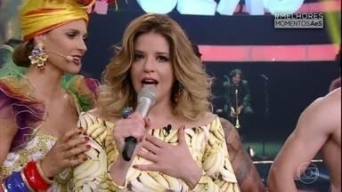 Confira os momentos mais divertidos de Mariana Santos na atração - Ela se diverte a aproveita para dar o último tapinha em Borat