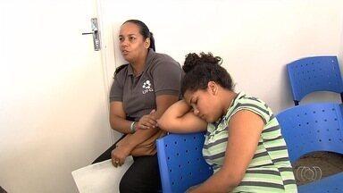 Sem atendimento na capital, pacientes lotam posto de saúde de Aparecida de Goiânia - Casos mais graves foram atendidos com prioridade.