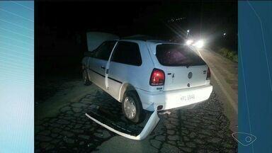 Duas pessoas morrem em batida entre um carro e uma moto em rodovia do Sul do ES - Motorista do carro não ficou ferido.