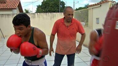 Treinador da seleção brasileira ministra curso de boxe em Cuiabá - Treinador da seleção brasileira ministra curso de boxe em Cuiabá