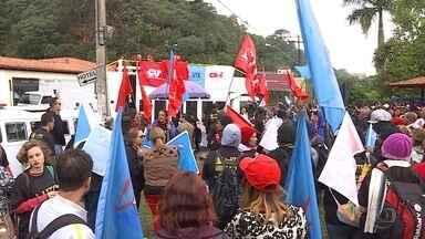 Grupos protestam em Ouro Preto contra a reforma da previdência e governo Temer - Evento de 21 de abril foi realizado na cidade