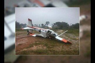 Um avião com quatro pessoas caiu em Itaituba, sudoeste do Pará - Chovia muito na hora do acidente, que aconteceu a 13 quilômetros do centro da cidade.