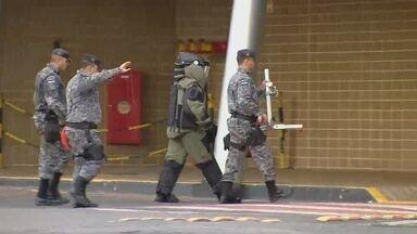 Explosivo é achado em banheiro de shopping na Zona Centro-Sul de Manaus, diz polícia - Funcionário encontrou explosivo em banheiro masculino.