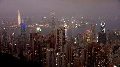 Hong Kong, a metrópole de contrastes, mistura passado e futuro - Cidade é a que tem mais prédios acima de 150 metros no mundo. É também uma das áreas mais povoadas do planeta.