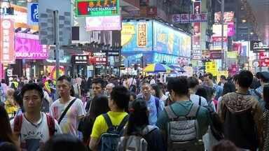Hong Kong tem o bairro mais populoso do mundo - Em Mong Kok vivem cerca de 130 mil pessoas por quilômetro quadrado. Apartamentos de 40 metros quadrados abrigam, em média, seis pessoas.