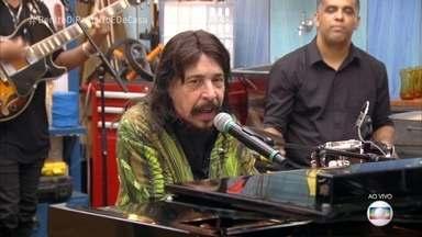 Benito Di Paula canta 'Amigo do Sol, Amigo da Lua' - Cantor relembra sucessos em trilhas sonoras de novelas