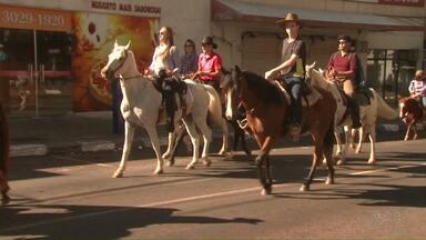 Cavalgada em homenagem a Santo Expedito é realizada em Foz do Iguaçu - O evento já é tradicional na cidade.