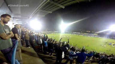 Torcedores revelam paixão pelo Novo Hamburgo - Torcida fez a festa após vitória em cima do Grêmio.