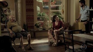 Abel e Zeca repreendem Cândida por dar abrigo a Edinalva - Caminhoneiro conta para o pai que vai processar Ritinha