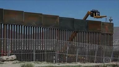 EUA adiam construção do muro na fronteira com México - Financiamento do muro colocou em risco votação orçamentária do governo. Trump recuou e disse que aceita que o dinheiro seja liberado em setembro.