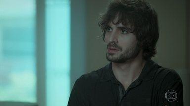 Ruy e Eugênio conversam sobre possível gravidez de Rita - Simone conta para Ivana que a família está toda reunida