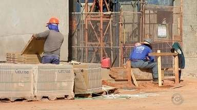 Setor da construção civil volta a recontratar na região de Bauru - Após um período de muitas demissões, o setor da construção civil começou a reagir e mão de obra está sendo contratada na região do Centro-Oeste Paulista.