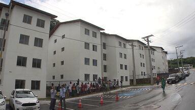 Moradores que viviam em barracos ganham novas casas no bairro de São Marcos - Pessoas que vivam em barracos de madeira e perto do esgoto foram contemplados.