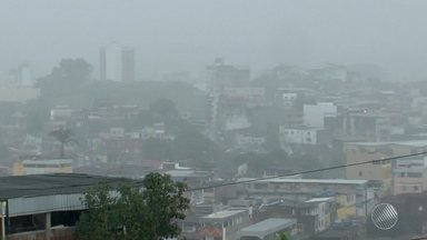 Frente fria estaciona na região sul e chuva forte atinge Itabuna - Veja no quadro Previsão do Tempo.