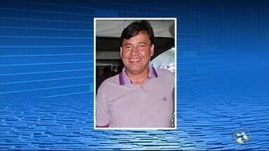 Ex-candidato a vereador é morto a tiros na porta da casa da mãe dele em Jupi - Vítima de 37 anos conversava com o filho de 17 quando foram baleados.
