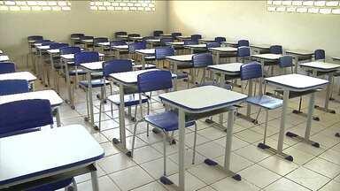 Escolas entram em reforma e deixam 2000 mil alunos sem aula em Timbiras - Prédios entraram em reforma, e por isso o ano letivo ainda não começou para alunos da zona rural de Timbiras, no Maranhão.