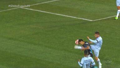 Márcio Chagas analisa desempenho da arbitragem no jogo entre Iquique e Grêmio - Ex-árbitro assinala que não houve pênalti e que não foi falta de Pedro Rocha.