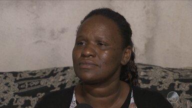Mãe de adolescente morto na estação da Lapa contesta versão de segurança - Julio César de Jesus Perpétuo se entregou à polícia na quarta-feira (3) e confessou ter matado dois jovens. Crime aconteceu há um a semana.
