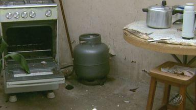 Vazamento de gás causa explosão em casa de Poços de Caldas (MG) - Vazamento de gás causa explosão em casa de Poços de Caldas (MG)
