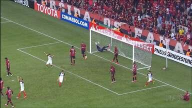 Atlético é derrotado pelo San Lorenzo, da Argentina - Time perdeu a chance de garantir antecipadamente uma vaga nas oitavas-de-final da Libertadores.