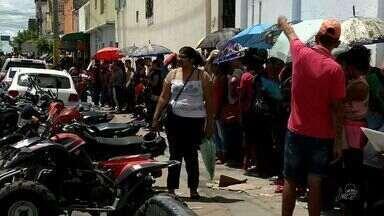 Em Sobral, oportunidade de emprego gera grande fila - Sabia mais em g1.com.br/ce