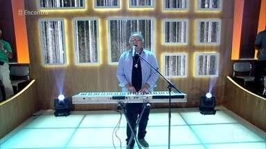Guilherme Arantes abre o programa com 'Amanhã' - Fátima Bernardes recebe o cantor no 'Encontro'