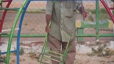 Moradores de Samambaia se queixam de falta de manutenção em parque e de iluminação - A equipe do Redação Móvel esteve em Samambaia, onde moradores de uma quadra reclamaram de falta de manutenção em um parque.