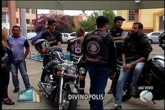 Evento beneficente arrecada fraldas geriátricas para asilo em Divinópolis - Hóspedes da Vila Vicentina precisam do produto. Clube de motociclistas promove ação.
