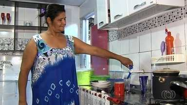 Moradores reclamam de falta de água em alguns bairros da Grande Goiania - Comerciantes relatam que estão tendo prejuízo com a ausência do serviço desde segunda-feira (15).