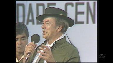 Relembre Luiz Menezes cantando 'Última Lembrança' em 'Galpão Crioulo' de 1990 - Assista ao vídeo.