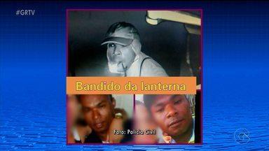 """Polícia prende acusado de praticar furtos em estabelecimentos comerciais de Petrolina - O homem, conhecido como """" Ladrão da lanterna"""" foi preso na cidade de Senhor do Bonfim, na Bahia."""
