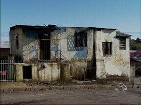 Senegalês morre carbonizado em Passo Fundo, RS - Fato ocorreu na noite desta quinta-feira (18); Causas ainda são apuradas