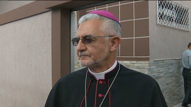 Dom Delson deixa Campina Grande para assumir arquidiocese da Paraíba - Grupo de católicos foi se despedir de Dom Delson.