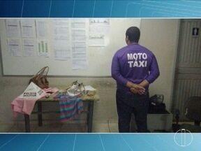Mototaxista suspeito de oito assaltos é preso em Montes Claros - Segundo a polícia, homem abordava as vítimas com uma faca; maioria dos assaltos era cometidos na região do Bairro Morada do Parque