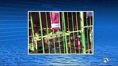PM e Destra interditam barracas em frente a UPA em Caruaru - Unidade de saúde fica no Indianópolis