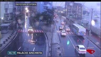Confira as imagens do trânsito na Grande Vitória na manhã desta segunda-feira (22) - Câmeras registram as principais vias da região metropolitana.