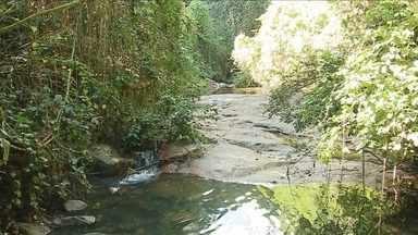 Quatro meses depois, poção do Córrego Grande continua ameaçado - Quatro meses depois, poção do Córrego Grande continua ameaçado