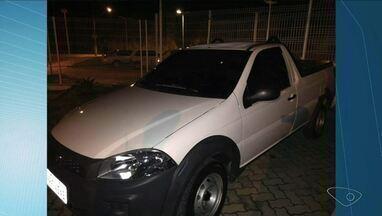 Oficina de desmanche é descoberta em Piúma, no Sul do ES - Três carros foram encontrados pela polícia em um galpão.