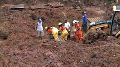 Mais dois corpos são encontrados em buscas realizadas em Maceió - Família tinha sido soterrada em desabamento de barreiras.