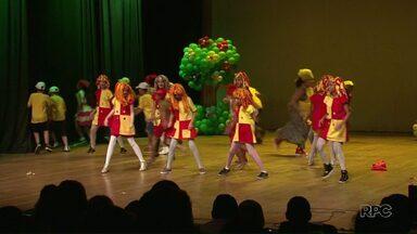 Festival Monteiro Lobato reúne mais de mil estudantes em Paranavaí - Festival vai até amanhã no Teatro Municipal com várias apresentações artísticas.