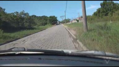 Morador reclama de buracos em Mongaguá, SP - Problema acontece na Avenida Dom Pedro