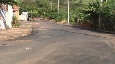 Prefeitura de Marília conserta buracos nas ruas de bairro em Marília - Depois de reclamarem dos buracos nas ruas da Vila Maria, em Marília (SP), moradores da região tiveram finalmente suas reivindicações atendidas pelo poder público.