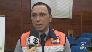Corpo de Bombeiros fala sobre incêndio em invasão, em Manaus - Direção justificou suposta demora em atendimento.