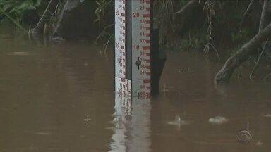 Ituporanga, no Oeste de SC, tem 19 pontos de alagamentos - Ituporanga tem 19 pontos de alagamento; nível do rio Uruguai está mais de 10m acima do normal