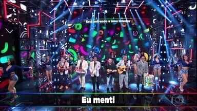 Razão Brasileira canta 'Eu Menti' - Banda anima o palco do 'Domingão' com sucesso dos anos 90