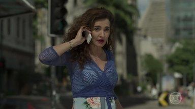 Cândida avisa a Jeiza que ela terá uma surpresa quando voltar para casa - Aurora desabafa com a amiga sobre problemas de Bibi e Rubinho, sem dizer que o genro foi preso
