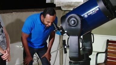 Hoje é dia de buscar ET: existe vida em outros planetas? - Alexandre Henderson acompanha uma turma de astronomia no Observatório Abrahão de Moraes em Valinhos, São Paulo, para entender os métodos que os cientistas usam atualmente para encontrar vida em outros planetas