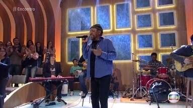Martinho da Vila canta 'Danadinho Danado' - Cantor celebra o Dia dos Namorados com música