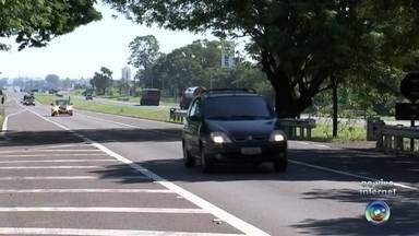 Polícia intensifica fiscalização nas estradas no feriado prolongado - As polícias Rodoviária Estadual e Federal intensificaram a fiscalização nas estradas para o feriado prolongado.